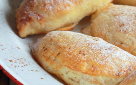 Puff pastry with banana, cheese and orange dumplings
